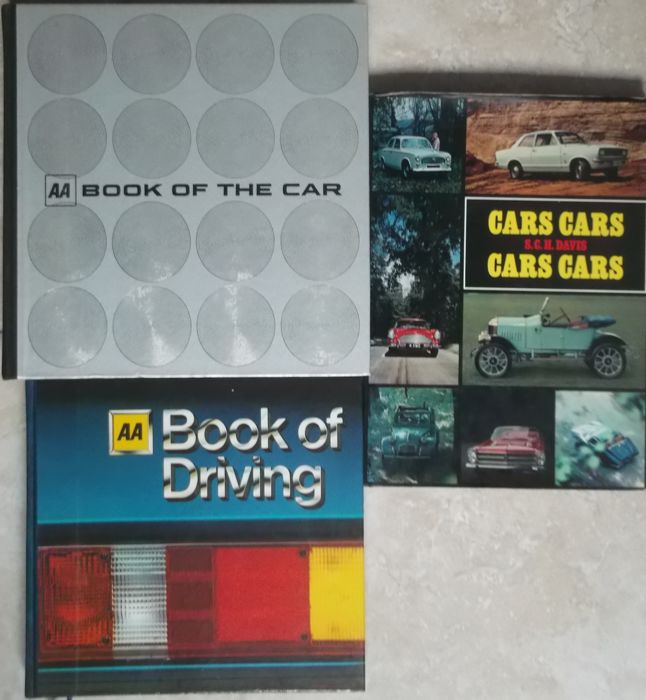 Books - AA Book of the car-AA Book of driving - cars cars - 1970-1980 (3 items)