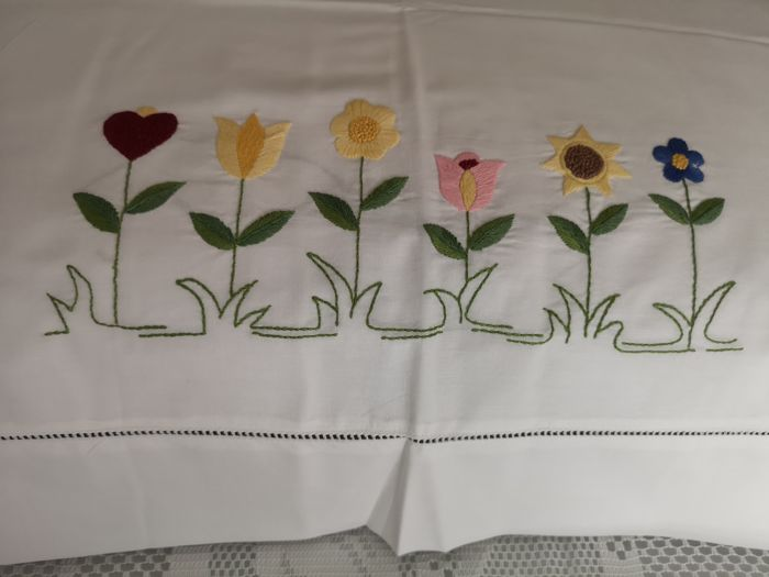 Rich fine percale cotton double bed sheet with handmade satin stitch embroidery.