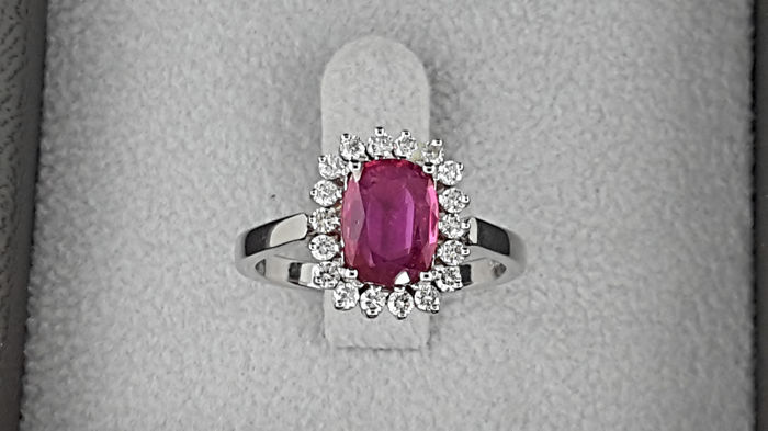 14 karaat Witgoud - Ring - 1.28 ct Robijn - Diamant