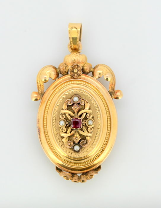 15k gold  - Victorian pendant / locket with ruby and pearls