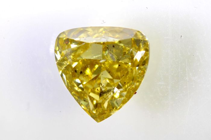 * NO RESERVE PRICE * - AIG Antwerp Sealed Diamant - 0.90 ct - Fancy Greenish Yellow
