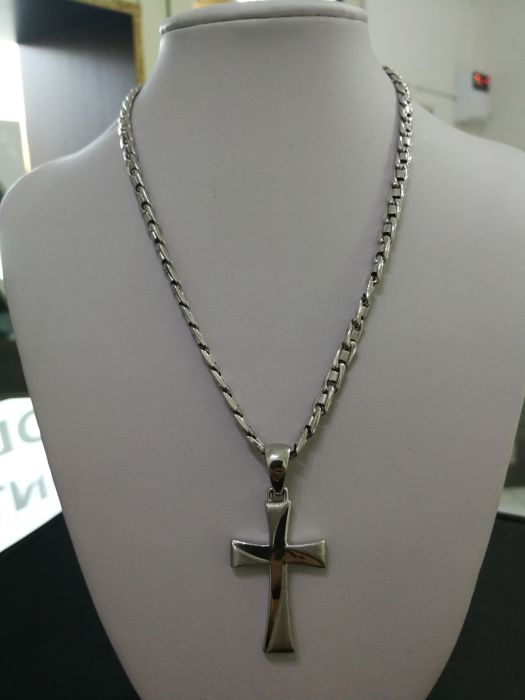 Necklace with cross in 18 kt (750) white gold cross - polished and satinised