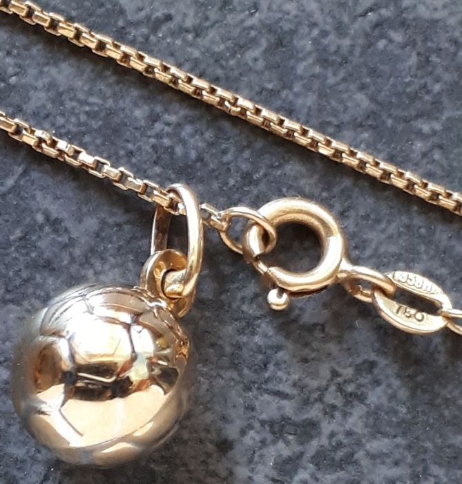 Necklace in 18 kt yellow gold Venetian link, 1.10 x 1.10 mm, with pendant, 5.40 g 54 cm
