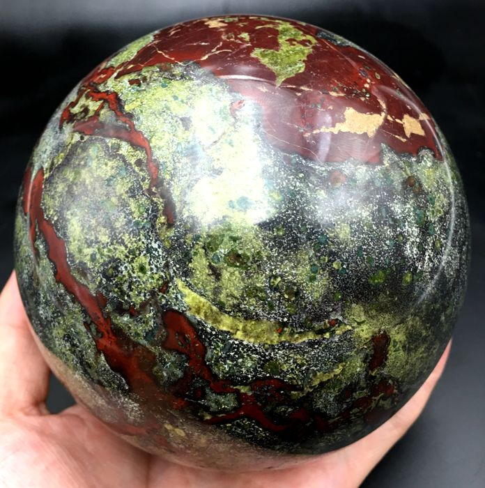 Dragon blood stone Sphere - 105mm - 2685 g - Catawiki