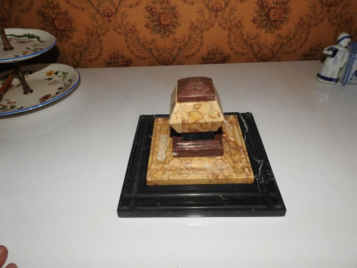 Ink pot and ink blotter made of solid granite