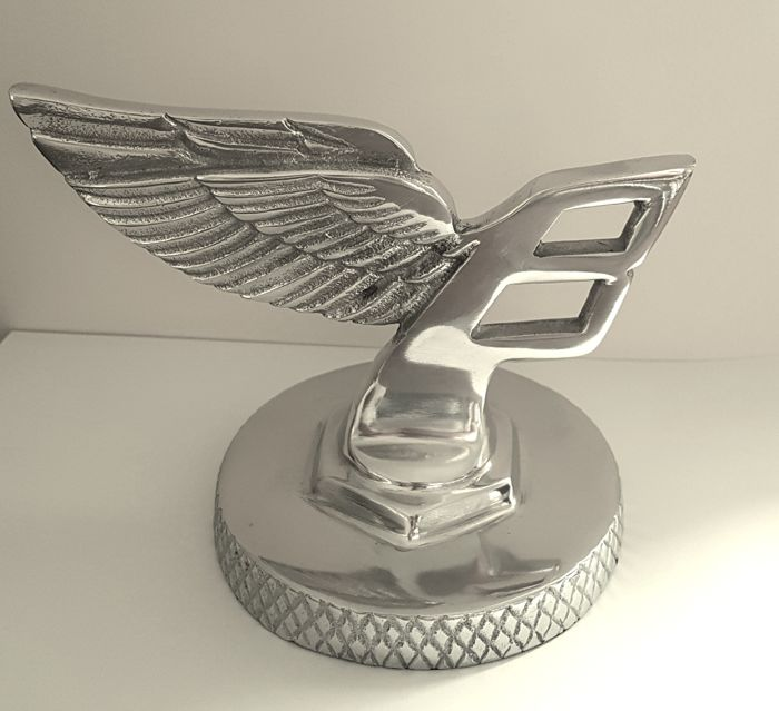 Emblem/Mascot - Bentley Flying B plus Gift Box - 2015 (1 items)
