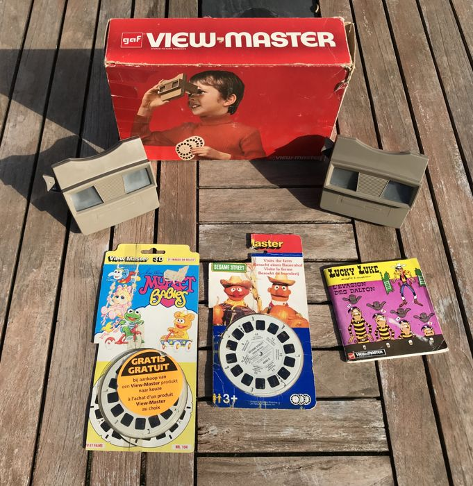 lot of 2 stereoscopic Viewers (viewmaster) + cards