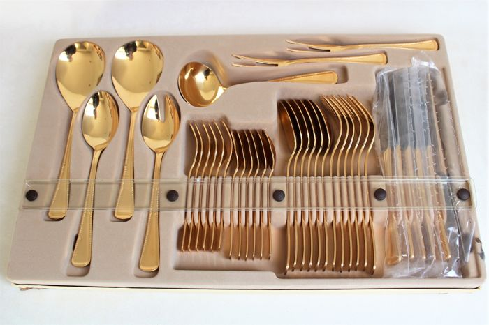 """High-quality cutlery from Olympia - Model """"Perlrand"""" (beaded edge) - Solingen, Germany - 23 karat hard gold-plated - Complete set for 6 people (37 pieces) - mint condition"""
