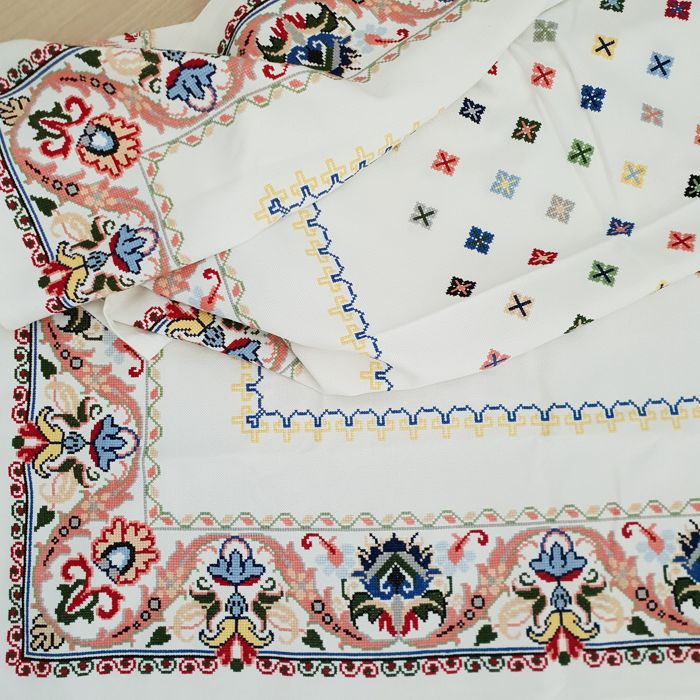 Tablecloth hand embroidered in cross stitch Brilliant colours.