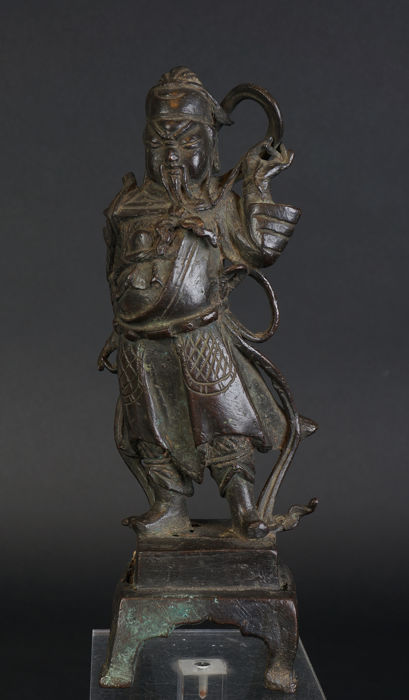 Bronze sculpture of General Guan Gong - China - 16th/17th century (Ming period)