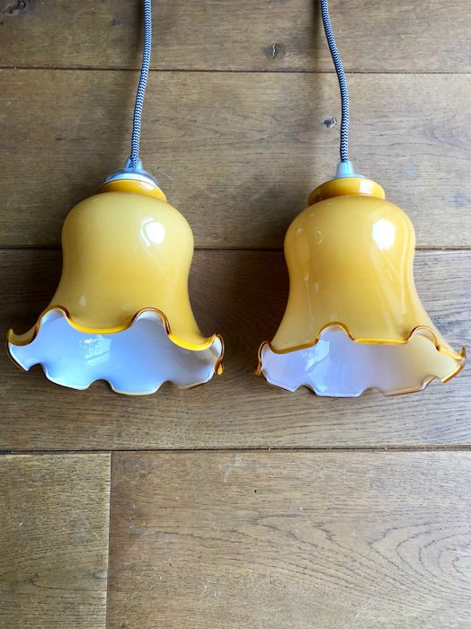 Great pair of vintage glass lamps, first half 20th century, with modern wiring
