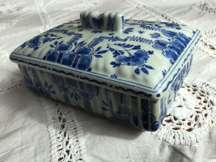 Porceleyne Fles / Royal Delft - decorative box