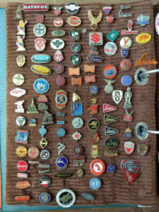 Collection of pins (approx. 225)