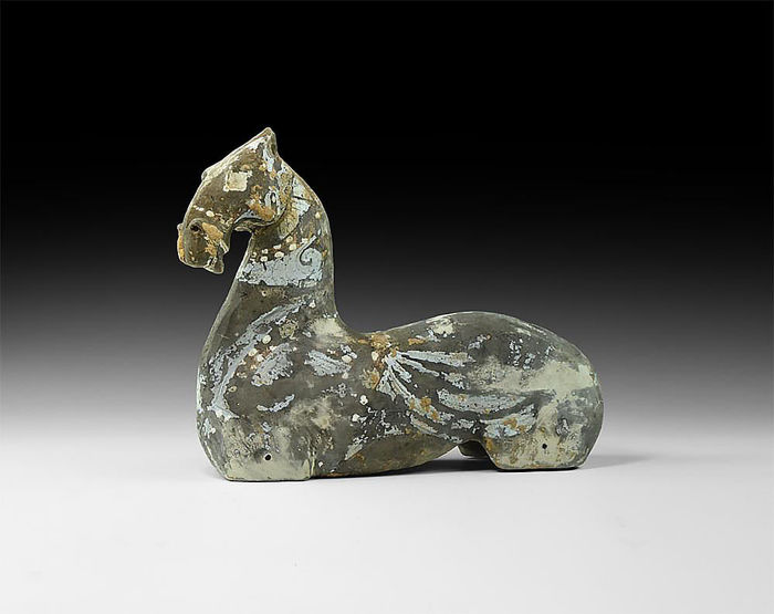 Mingqi - Töpferware - Rare Painted Gray Torso of a Horse from the Han Dynasty, 206 B.C.-A.D. 220, TL Test - Long 30 cm. - China - Han Dynastie (206 v.Chr.- 220 n.Chr.)