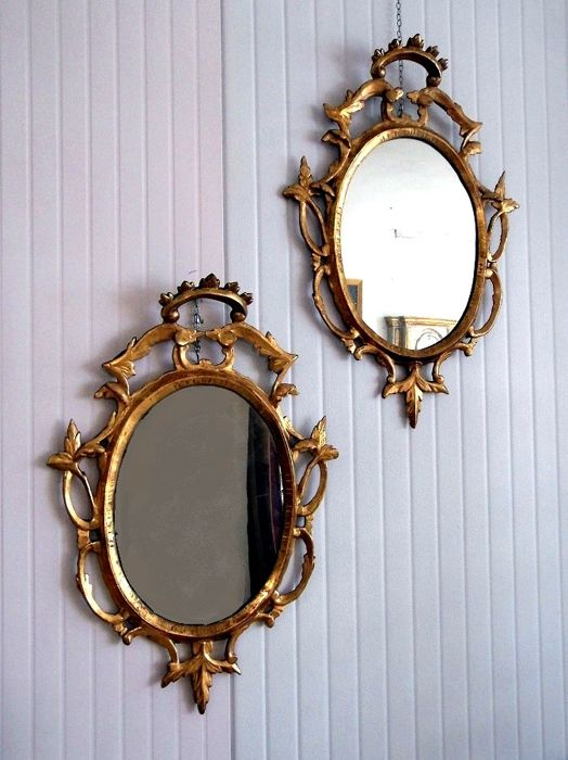 2 Venetian mirrors - Wood carved and gilded with gold leaf - mid 18th century