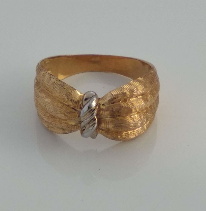 19,2 kt. White gold, Yellow gold - Ring