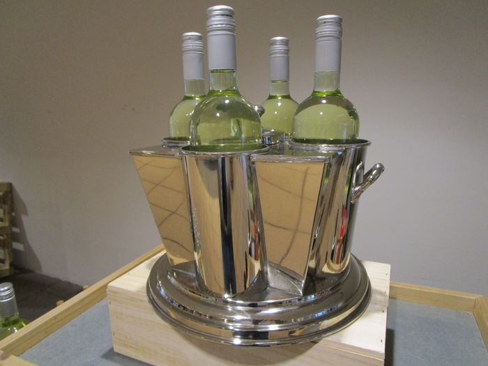 Luxurious silver plated wine cooler for 4 bottles with compartment for ice in the middle