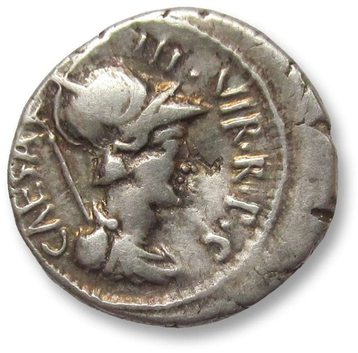 Romeinse Republiek - AR Denarius, Octavian. Military mint moving with Octavian in Greece 42 B.C. - Zilver