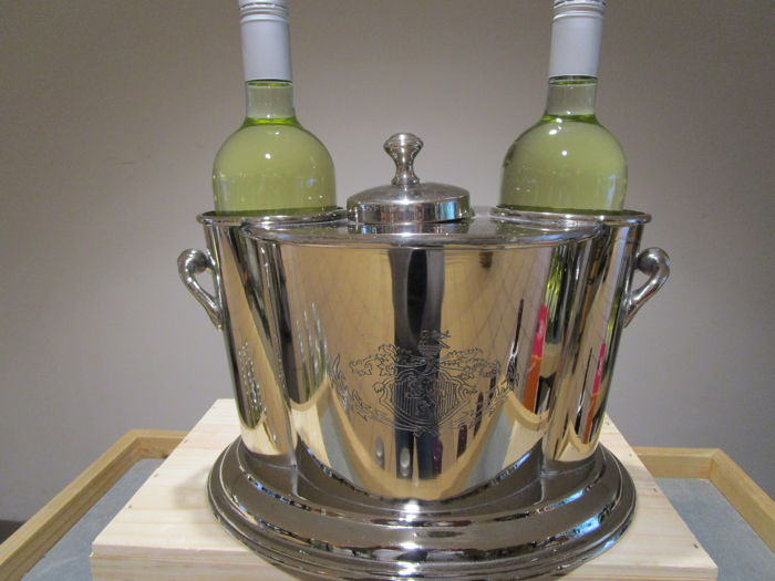 Silver plated ice-bucket for 2 bottles and special compartment for ice/water