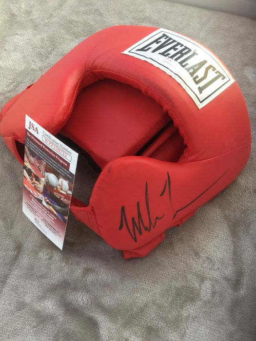 Boxing - Mike Tyson - Boxing face protector
