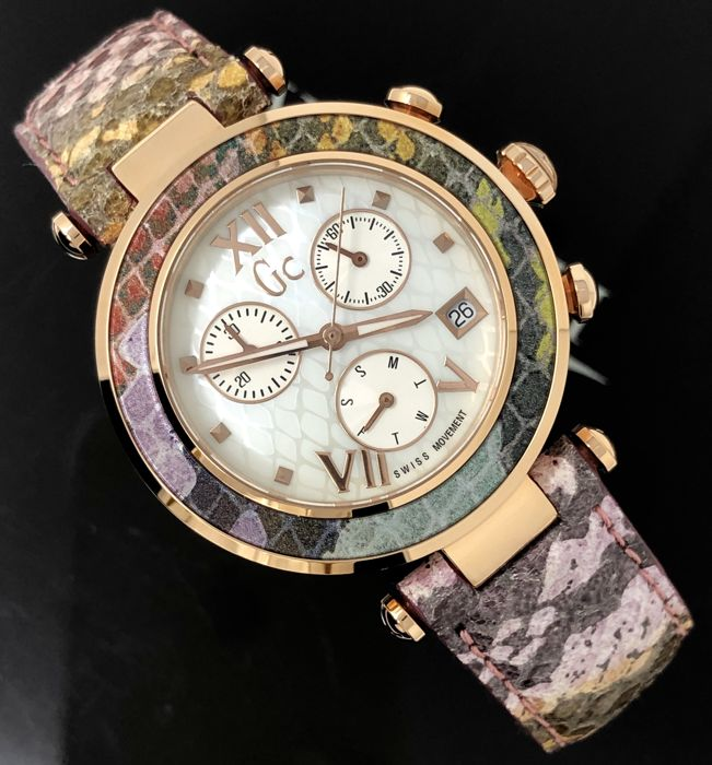 "Guess Collection  - GC Lady Chic Chronograph Pink Snake Skin pattern leather strap - Y05013M1 ""NO RESERVE PRICE"" - Senhora - NEW"