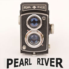 "Chinese ""PEARL RIVER"" TLR camera."