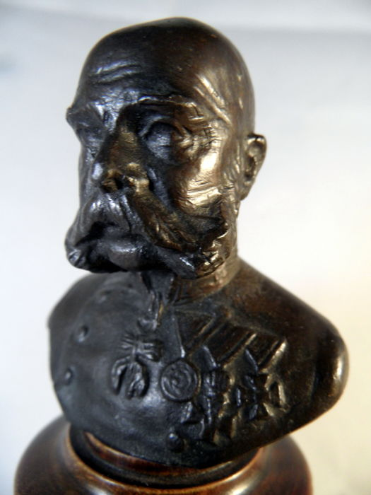 Bust, IMPERIAL FRANZ-JOSEPH I on base - Bronze, Leather, Wood - Dated January 11, 1908