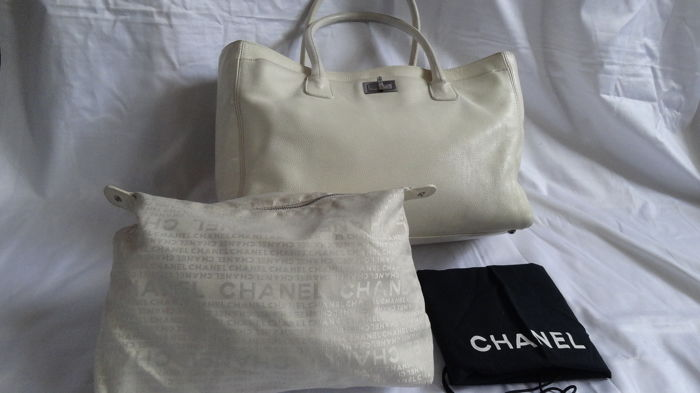69cc1b30fe134d Chanel - Cerf executive Tote Tote bag - Catawiki