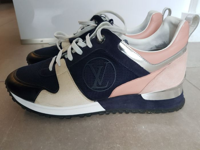 6af55b5509e5 Louis Vuitton - Runaway Sneakers - Catawiki