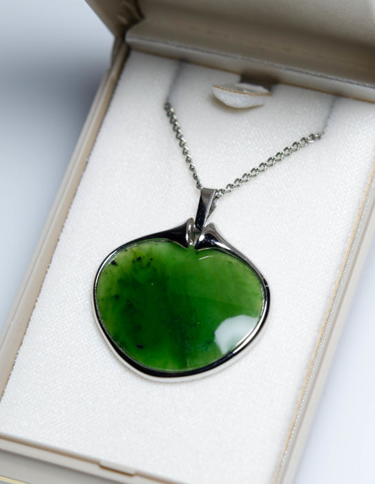 835 Silver - Pendant with jade