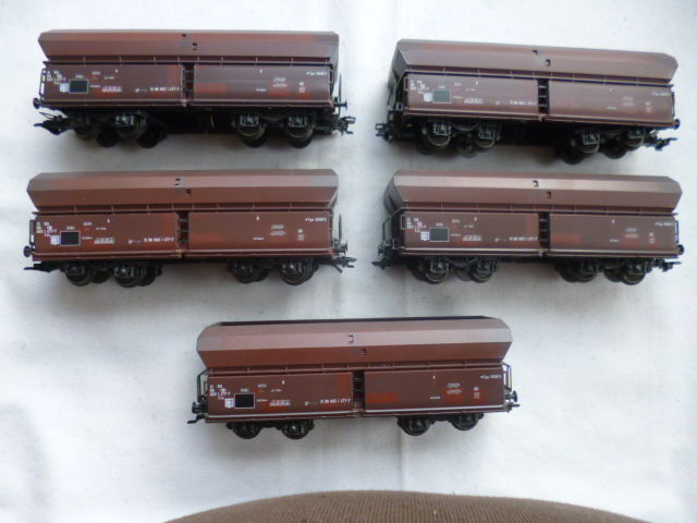 Märklin H0 - 4705 - Freight carriage - 5x large volume cars, self-unloaders - NMBS