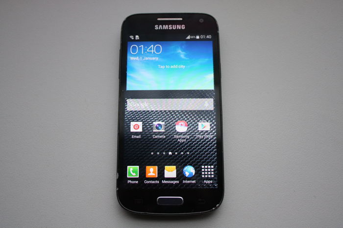 Samsung Galaxy S4 Mini - Compact phone - Quad CPU, 1 5GB RAM, 4 3