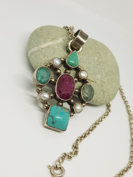 925 Silver - and turquoise stones, and garnet., Necklace with pendant Turquoise