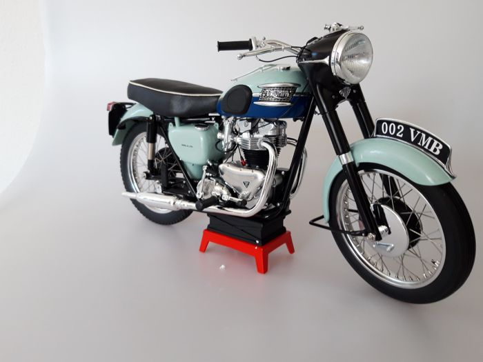 "Decorative object - 1:6 Schaal - 1959 Triumph Bonneville T120R ""Blue tank"" - 2018-2018 (1 items)"