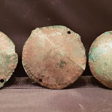 Early medieval Bronze Viking stunning and very rare shield boss group hourd - 100×100×100 mm - (3)