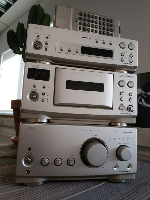 JVC - Victor F1 Series - High End - Compact - Collector - Hi-Fi