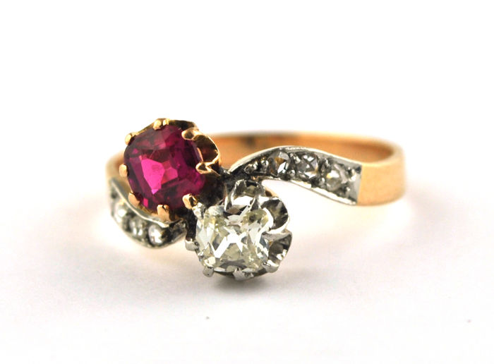 "Authentic Antique 1900's ""Toi et Moi"" - 18 kt. Gold - Ring Ruby - Diamond"