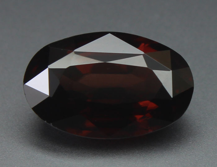 Marron Zircon - 3.76 ct
