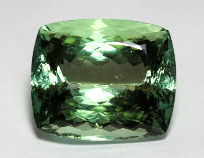Hiddenite  - 115.70 ct