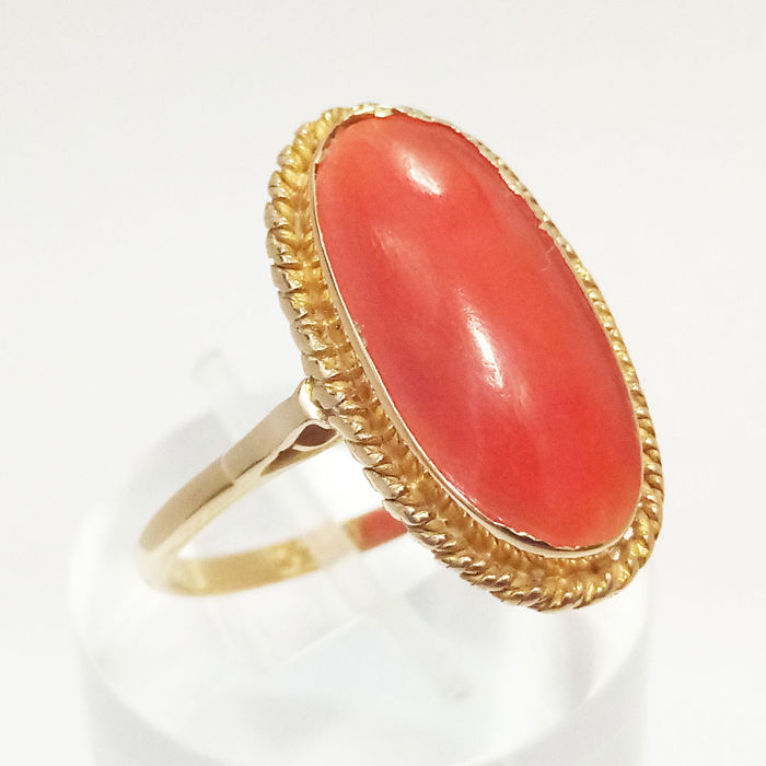 18 kt. - Ring Coral Cabochon