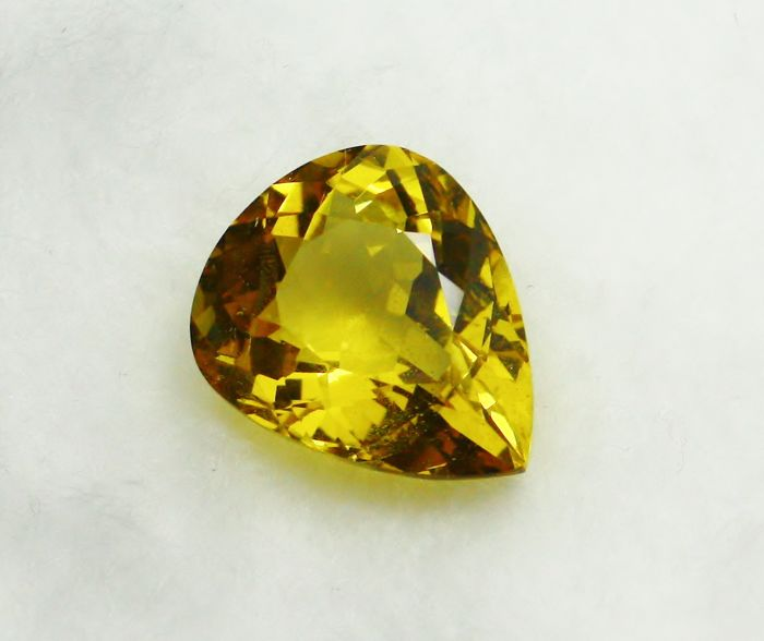 Berillo, d'oro - 6.37 ct