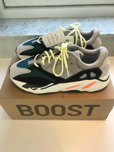 sports shoes 68a10 b2859 Yeezy X Adidas gymnastikskor