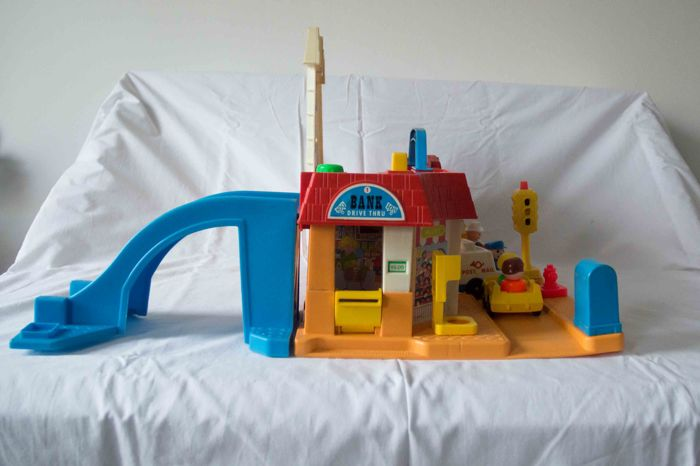 Fisher Price 18 1193 2500 870 Farm Shopping Street And