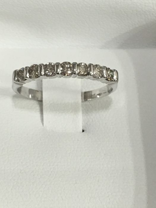 18 quilates Oro blanco - Anillo - 0.63 ct Diamante