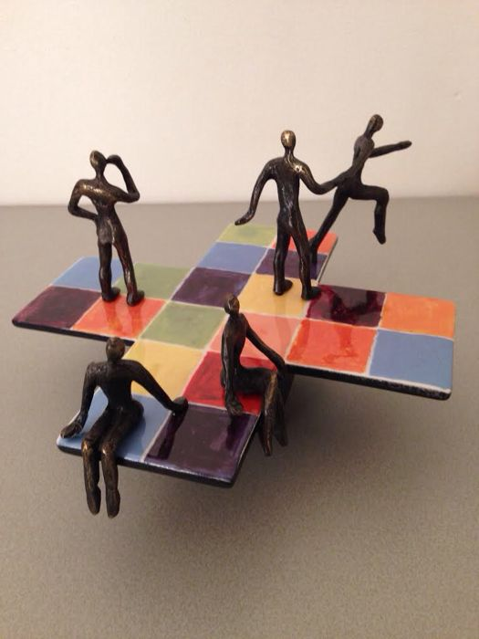 "Corry Ammerlaan  - Colorful sculpture ""Square of reflection"""