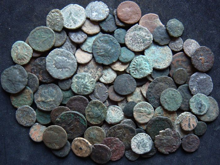 Roman Empire - Lot of 100 AE coins, 3rd - 4th century AD