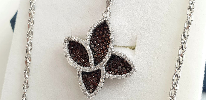 18 kt. White gold - Necklace with pendant - 0.88 ct Diamond - Garnet