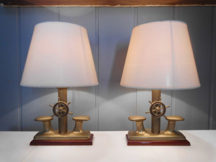 Set of 2 nautical table lamps with beautiful details - Brass, mahogany Curio Curio for sale