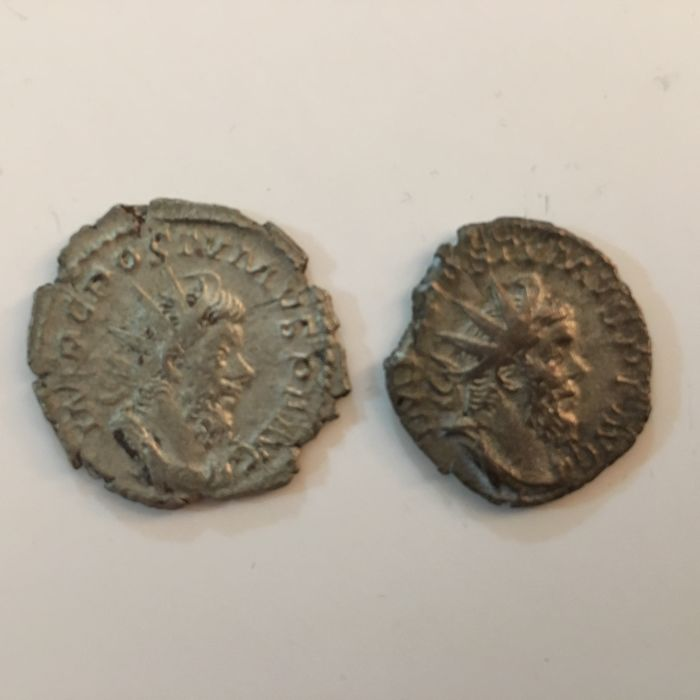Roman Empire - Lot comprising 2 Antoniniani: Postumus (AD 260-269) - Hercules and Virtus - Silver