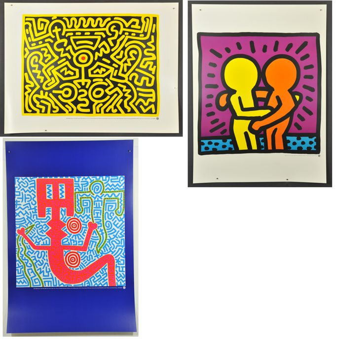 3 x Keith Haring - Exhibition graphics - Growing-untitled-hugging